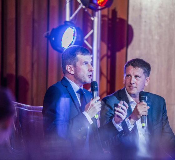 Generální ředitel sázkové společnosti Tipsporit Vratislav Randa (vpravo)