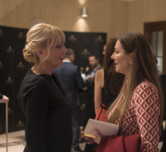 Ilona Mančíková z realitní kanceláře Sothebys (vpravo)